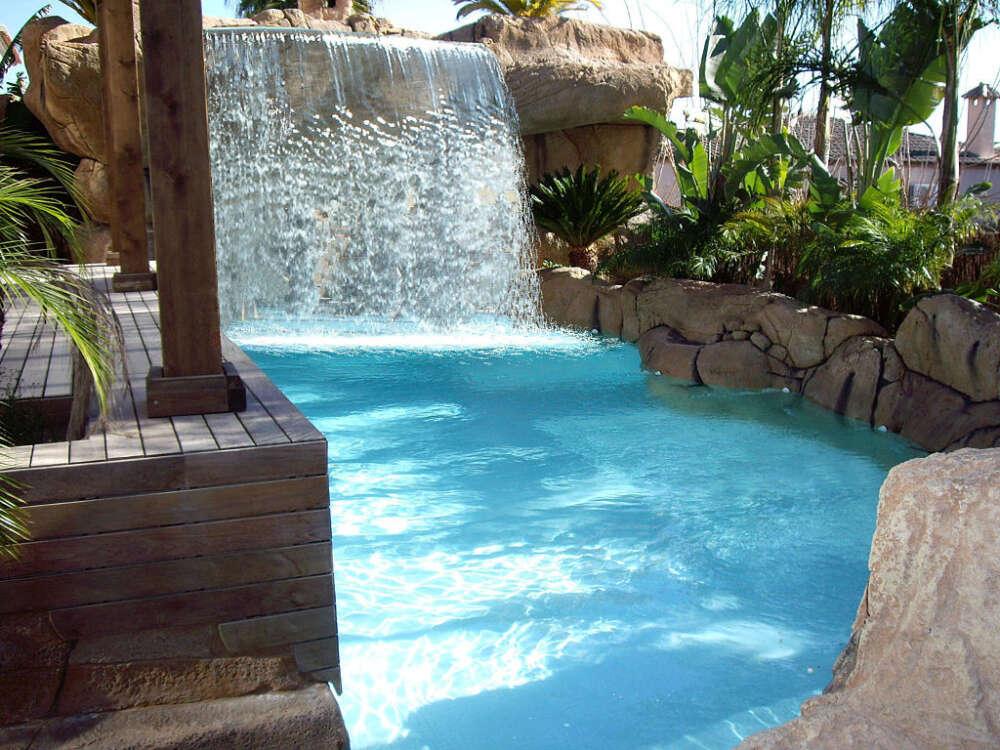 Cascadas para piscinas precios