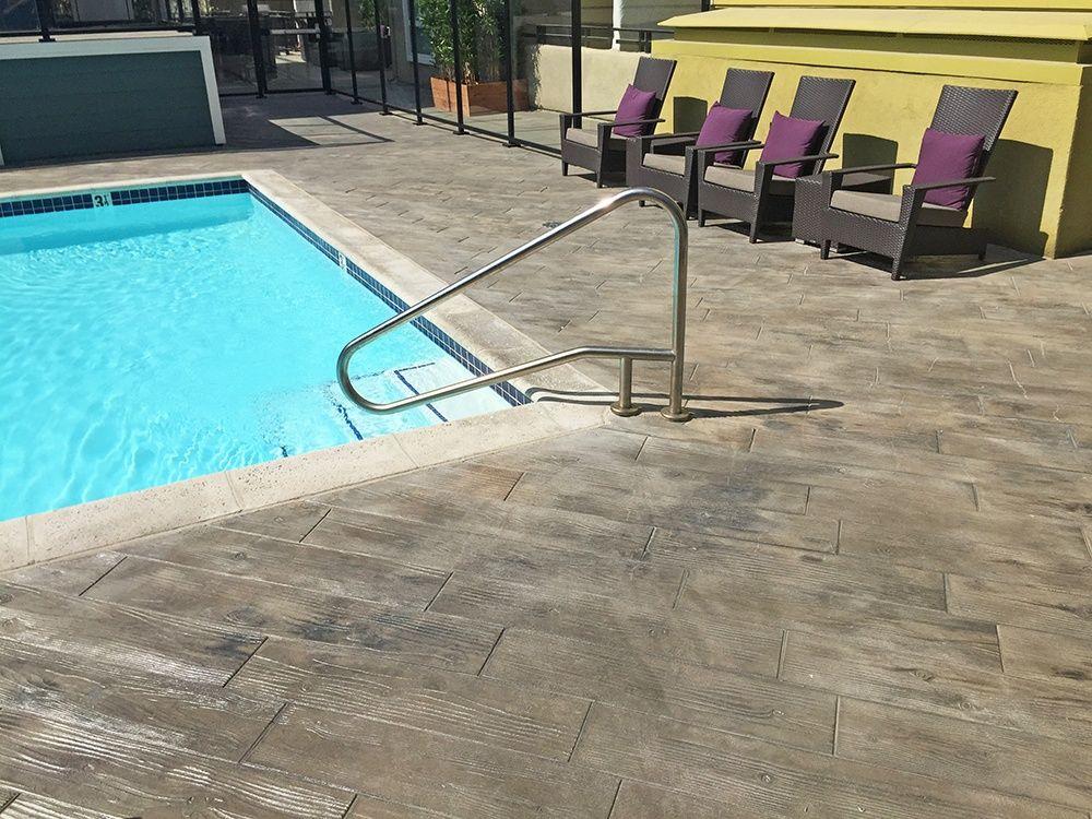 pavimentos antideslizantes para piscinas